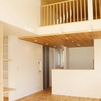 新築事例25-A様邸~吹き抜けで家族がつながる、子育て世代の家~のサムネイル
