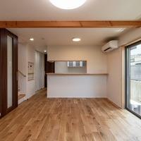 新築事例27-H様邸~夏涼しくて冬温かい。高窓から青空を眺める家~のサムネイル