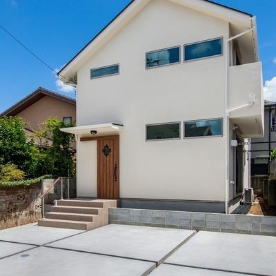新築事例27-H様邸~夏涼しくて冬温かい。高窓から青空を眺める家~